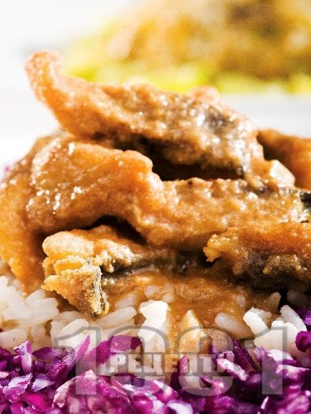 Панирана пикантна риба херинга - снимка на рецептата